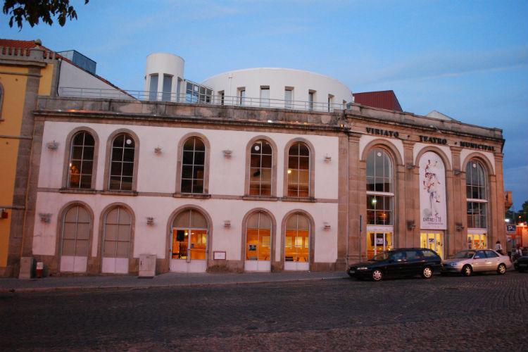 Teatro Viriato reabre com música