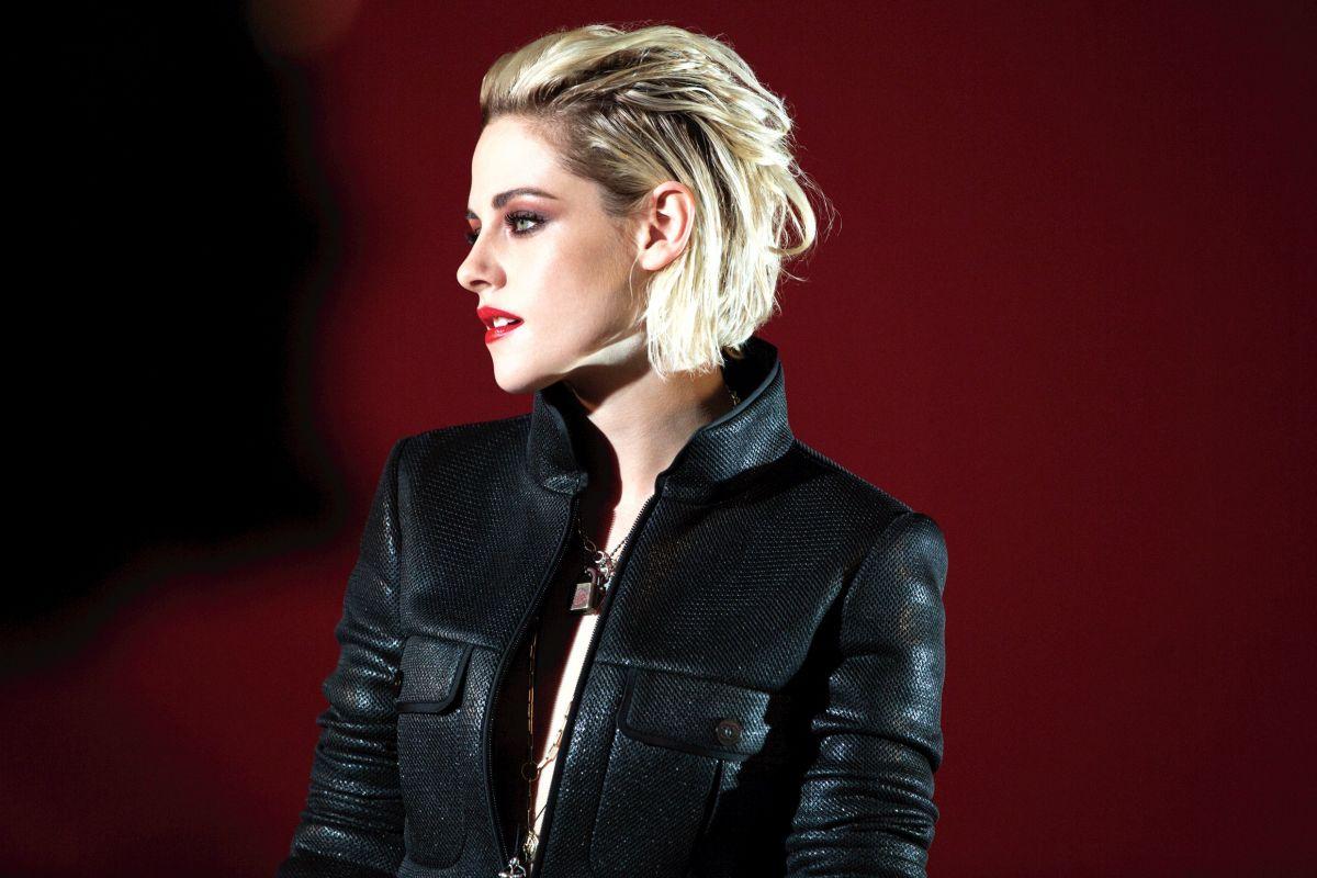 Kristen Stewart Descalçou-se no Festival de Cannes em Forma de Protesto